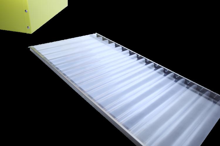 Serre avec plaques ondulées en PVC
